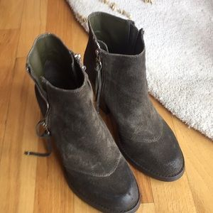 Suede booties with tassled zippers